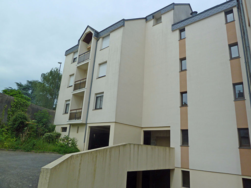 A vendre appartement laval 74 m l 39 adresse maison blanche for Location garage laval